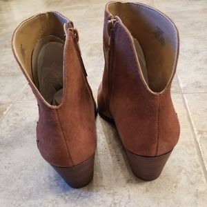 Lucky Brand Shoes - New LUCKY BRAND Leather Tan Cowgirl NWT Booties